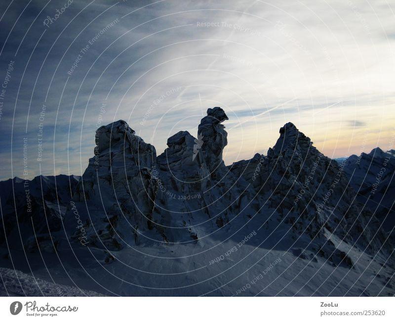Eiszeit Landschaft Winter Frost Schnee Felsen Alpen Gletscher Hintertuxer Gletscher Stein blau weiß Außenaufnahme Menschenleer Abend Kontrast Zentralperspektive