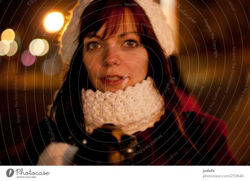 B@DD 11 | Nightlife Mensch feminin Junge Frau Jugendliche Gesicht 18-30 Jahre Erwachsene dunkel erstaunt direkt sprechen Fotografieren Licht