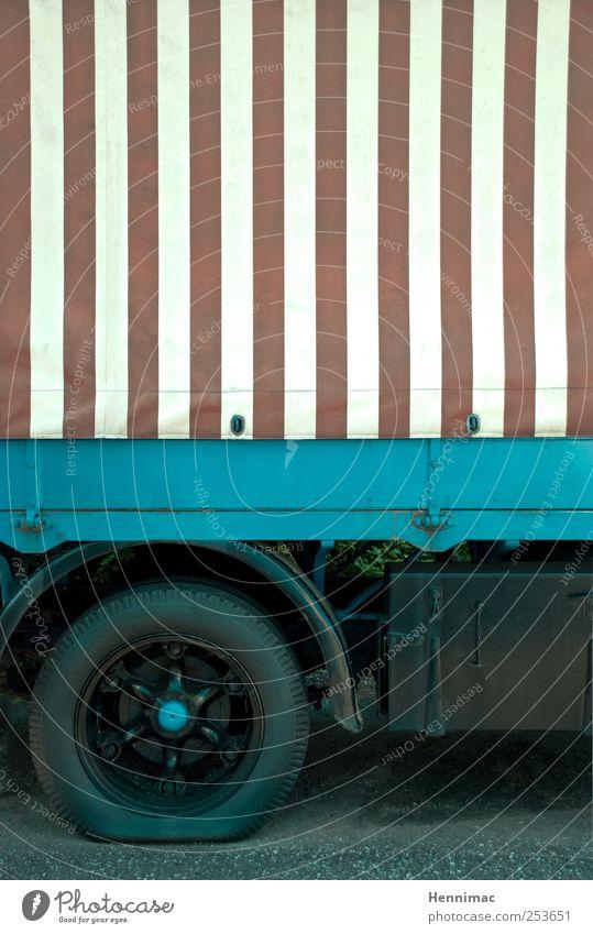 Da biste platt. alt blau weiß schwarz grau Metall Linie braun Streifen fahren Technik & Technologie Lastwagen Stahl Rad Fahrzeug parken