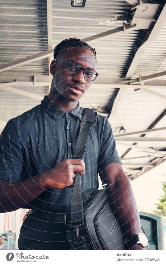 Mensch Jugendliche Mann Junger Mann schwarz Gesundheit 18-30 Jahre Lifestyle Erwachsene Senior Stil Mode Haare & Frisuren Arbeit & Erwerbstätigkeit maskulin