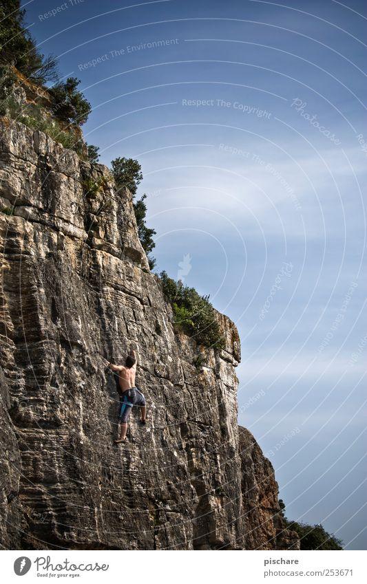 Climb Himmel Mann Sport Berge u. Gebirge Erwachsene Freizeit & Hobby Kraft Felsen Abenteuer maskulin Klettern Mut Leidenschaft sportlich Schönes Wetter