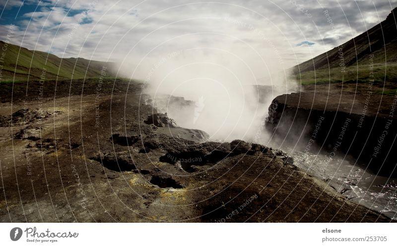 himmel und hölle Natur Landschaft Urelemente Erde Luft Himmel Wolken Nebel Hügel Berge u. Gebirge Vulkan Island reykjadalur Hveragerdi Heisse Quellen
