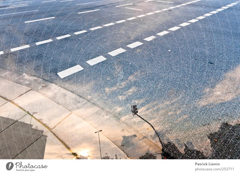 Sinnestäuschung Umwelt Himmel Sonne Sonnenaufgang Sonnenuntergang Sonnenlicht Herbst Wetter Schönes Wetter Stadt Verkehr Verkehrswege Personenverkehr Autofahren