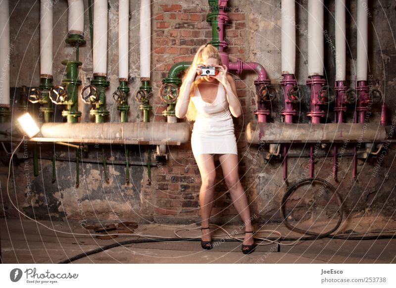 #253738 Freizeit & Hobby Ausflug Abenteuer Keller Nachtleben ausgehen Fotokamera Industrie Frau Erwachsene Leben 1 Mensch Mauer Wand Mode Kleid Damenschuhe