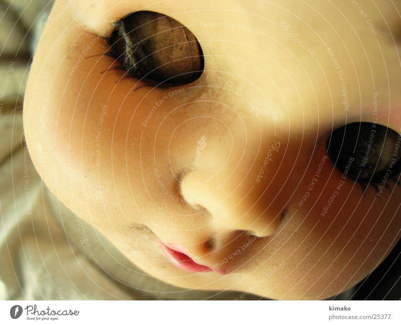 beau Auge Schmerz obskur Puppe