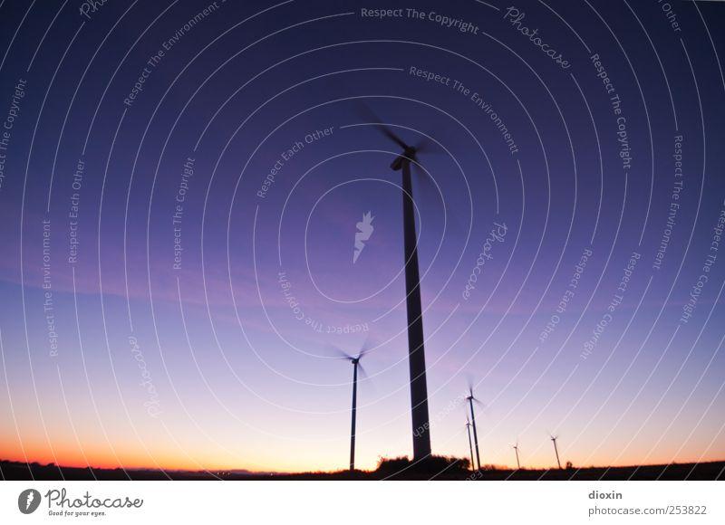 Farbwind [3] Himmel Farbe Landschaft hoch Energie groß Energiewirtschaft Klima Zukunft Technik & Technologie Windkraftanlage drehen Schönes Wetter Fortschritt