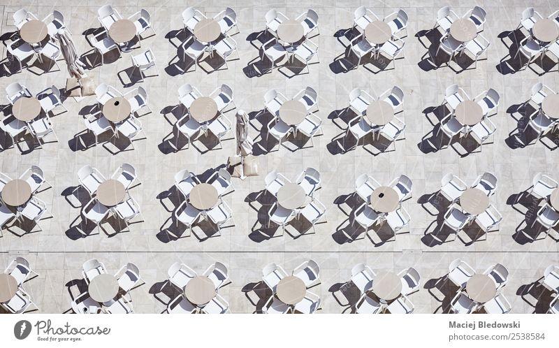 Ferien & Urlaub & Reisen Sommer Essen Garten Tourismus oben Häusliches Leben Design Zufriedenheit ästhetisch Kultur Tisch trinken Stuhl Kunststoff Hotel
