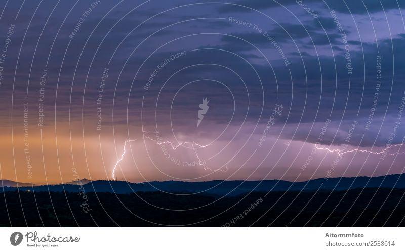 Natur schön Landschaft Umwelt hell Wetter Aussicht Energie Klima malerisch Hügel Unwetter Blitze horizontal Lichtschein Atmosphäre