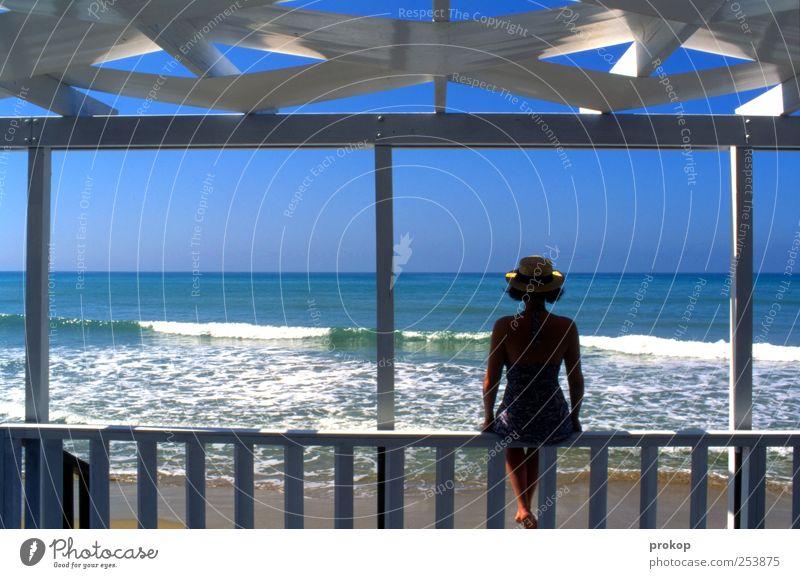 Entspannung II Mensch Natur Jugendliche schön Sonne Ferien & Urlaub & Reisen Sommer Freude Meer Strand ruhig Erholung feminin Leben Glück