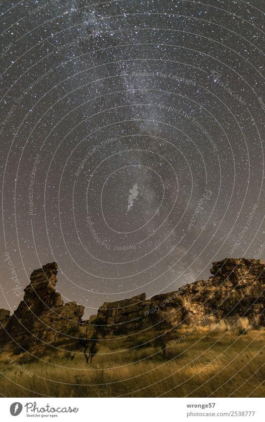 komplex | die Milchstraße Himmel Natur Sommer Landschaft dunkel schwarz gelb braun Felsen leuchten Erde Luft Stern Unendlichkeit Wolkenloser Himmel Nachthimmel