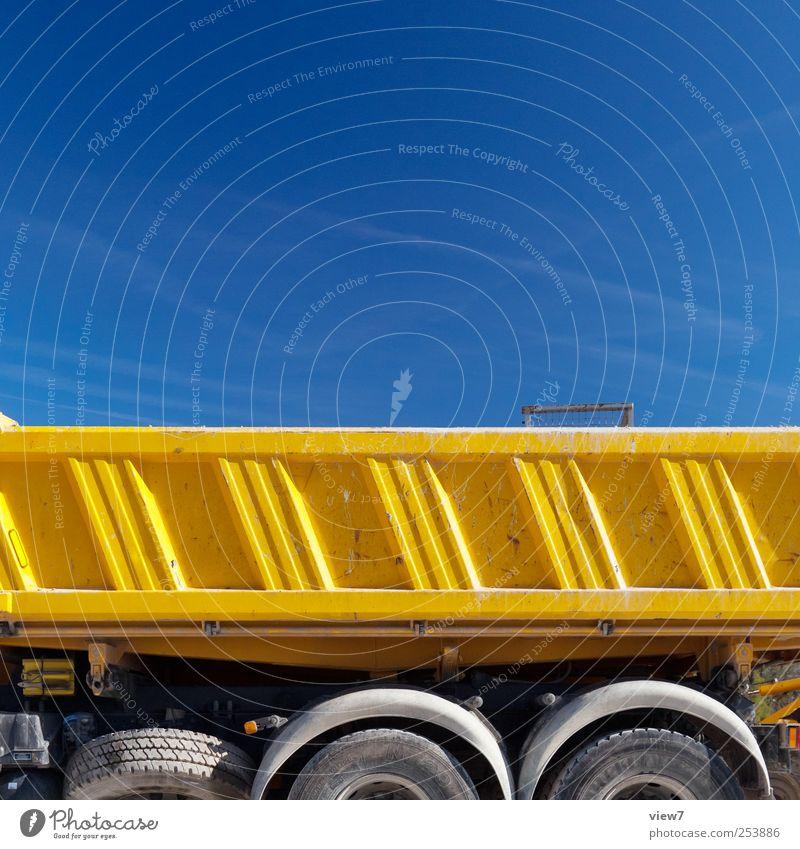 Kipper Baustelle Natur Wolkenloser Himmel Schönes Wetter Verkehr Fahrzeug Lastwagen Bauwagen Anhänger Metall Linie Streifen authentisch einfach frisch modern