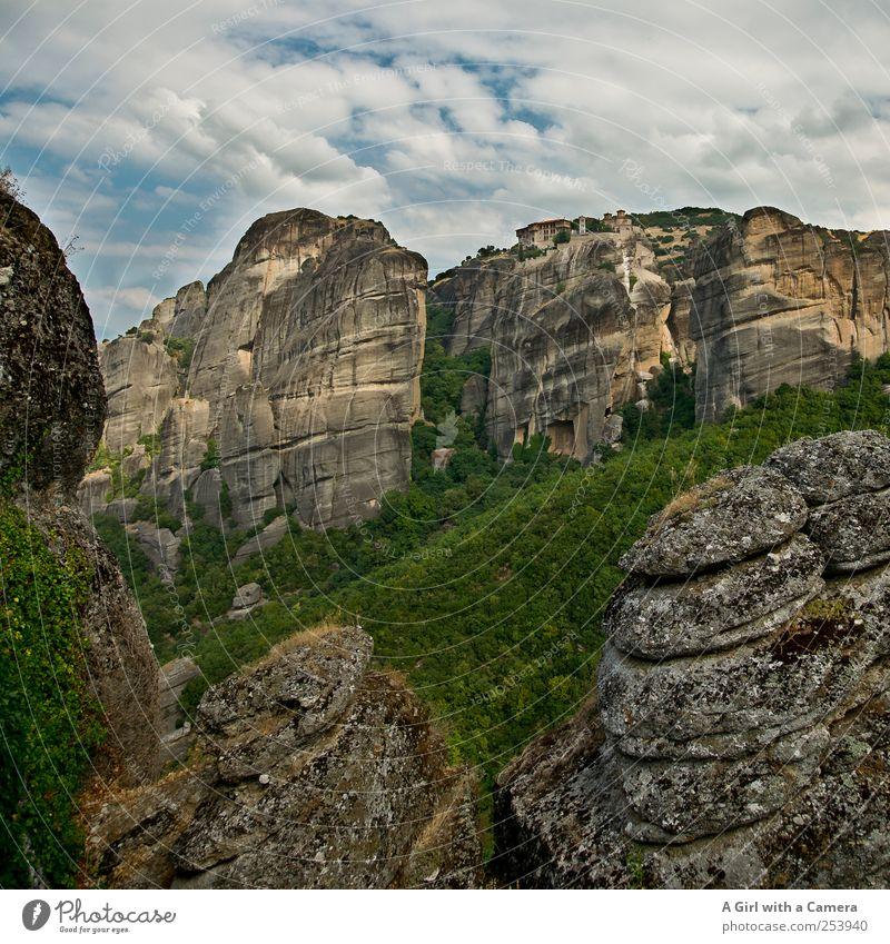 a whole lotta stone Umwelt Natur Landschaft Pflanze Urelemente Erde Himmel Wolken Sommer Schönes Wetter Berge u. Gebirge Gipfel authentisch außergewöhnlich