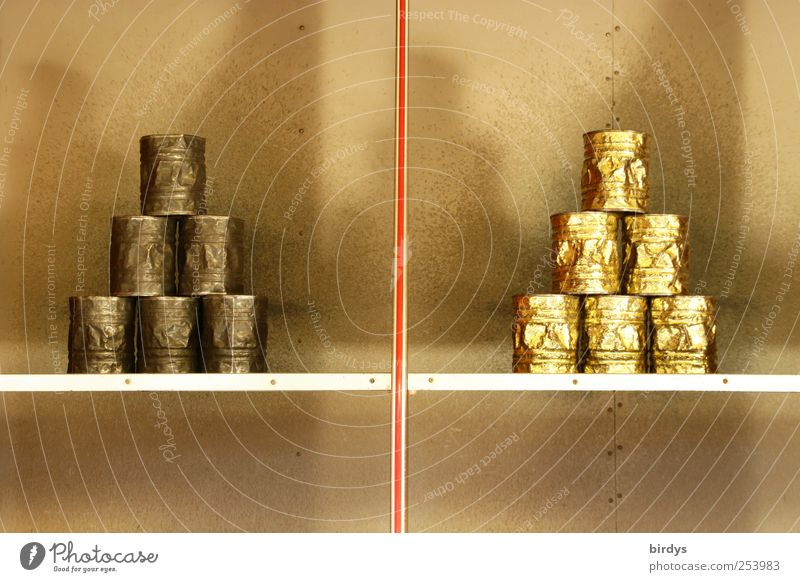 Manuelles Jahrmarktvergnügen werfen glänzend gold silber Freude Symmetrie Dose Schießbude Stapel Pyramide Ziel Treffer Buden u. Stände Kinderspiel