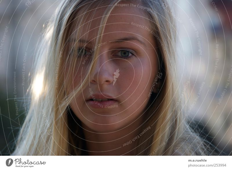 mein ganzes leben, vor mir Mensch Jugendliche schön Gesicht Erwachsene Auge feminin Kopf Haare & Frisuren blond Mund elegant Haut natürlich 18-30 Jahre Lippen