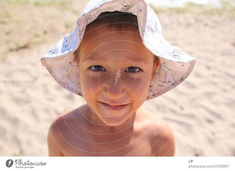 Kind Mensch Erholung ruhig Freude Lifestyle Erwachsene Leben Senior feminin Gefühle Stil Stimmung Zufriedenheit elegant Kindheit