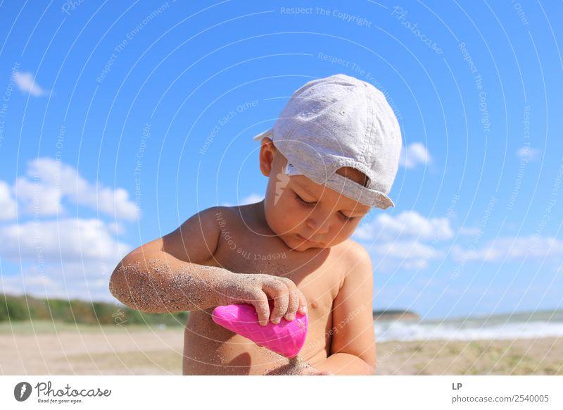 Kind Mensch Ferien & Urlaub & Reisen Sonne Meer Erholung ruhig Strand Lifestyle Erwachsene Leben Gefühle Familie & Verwandtschaft Spielen Sand Zufriedenheit
