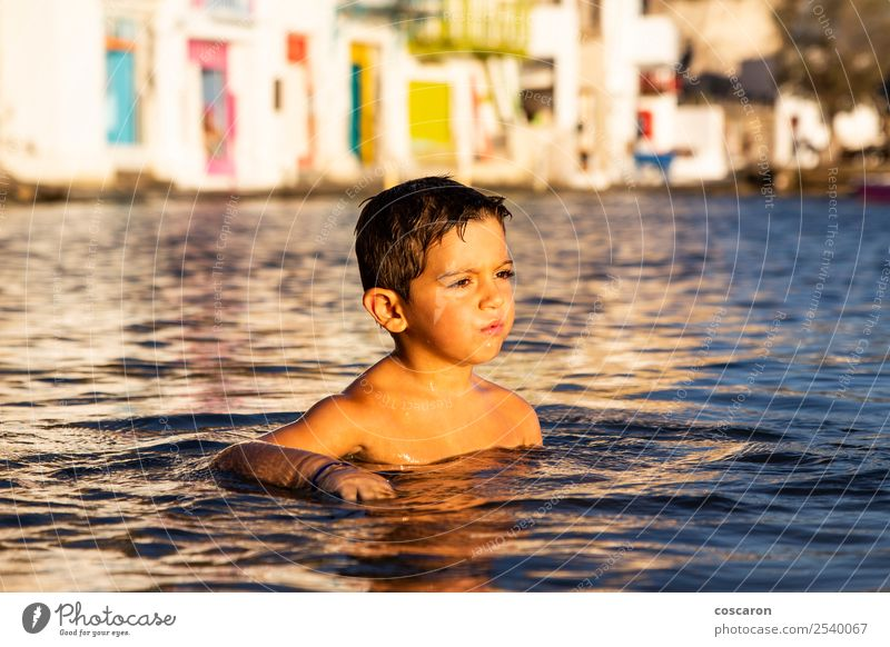 Kind Mensch Natur Ferien & Urlaub & Reisen Sommer schön grün Meer Erholung Freude Strand Lifestyle Leben natürlich Küste Glück
