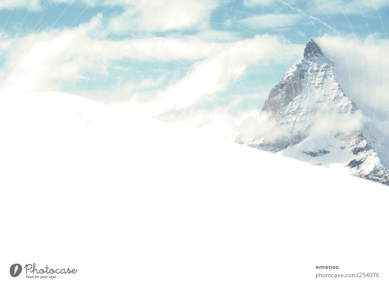 Matterhorn Ferien & Urlaub & Reisen Tourismus Abenteuer Expedition Winter Schnee Winterurlaub wandern Skipiste Wolken Klima Wetter Eis Frost Felsen Alpen