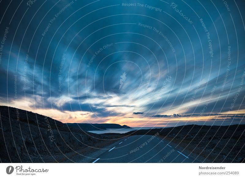 Mitternachtsdämmerung Himmel Natur Sommer Meer Wolken ruhig Einsamkeit Ferne Straße Freiheit Landschaft Berge u. Gebirge Küste Stimmung Linie Klima