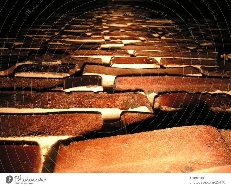 mauerwerk Backstein Mauer Wand Baustelle Licht Nacht dunkel Architektur Fuge Schatten Makroaufnahme