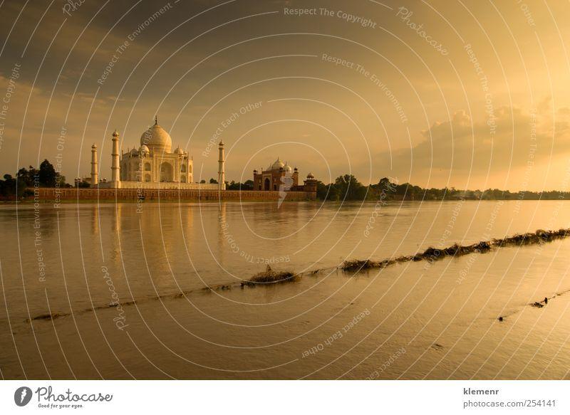 Taj Mahal in der Sonnenuntergangsszene Umwelt Wasser Wolken Flussufer Platz Architektur Moschee Palast Ferien & Urlaub & Reisen ästhetisch authentisch