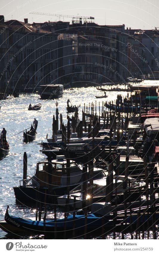 Oh sole mio! Wasser Stadt Ferien & Urlaub & Reisen Gebäude glänzend nass Ausflug Beton Tourismus außergewöhnlich fahren Romantik Fluss Kultur Bauwerk
