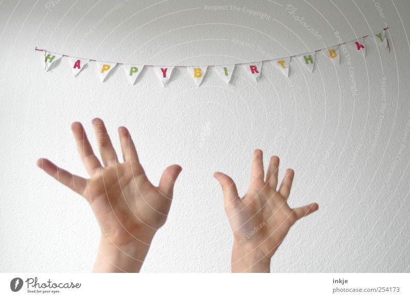 Für Dich solls heute Blumen regnen!!! Freude Glück Party Feste & Feiern Geburtstag Leben Hand Handfläche 1 Mensch Dekoration & Verzierung Schriftzeichen Fahne