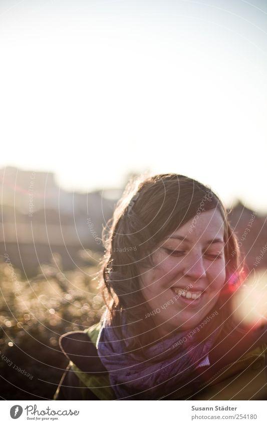 B@DD 11 | good times. Frau Mensch Jugendliche schön Freude Gesicht feminin Erwachsene Kopf träumen Freundlichkeit Lächeln 18-30 Jahre brünett Lebensfreude Unbeschwertheit