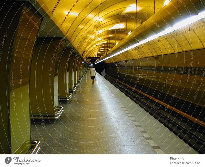 U-Bahn Architektur Futurismus Prag