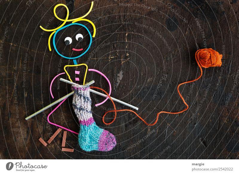 Gummiwürmer: ...bald ist Nikolausabend da! Mensch Erwachsene feminin braun Freizeit & Hobby Mutter Großmutter Handarbeit stricken