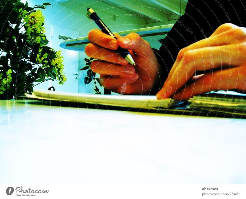 schreiben Hand Business Dienstleistungsgewerbe Schreibstift Block Kugelschreiber Unterschrift schriftlich