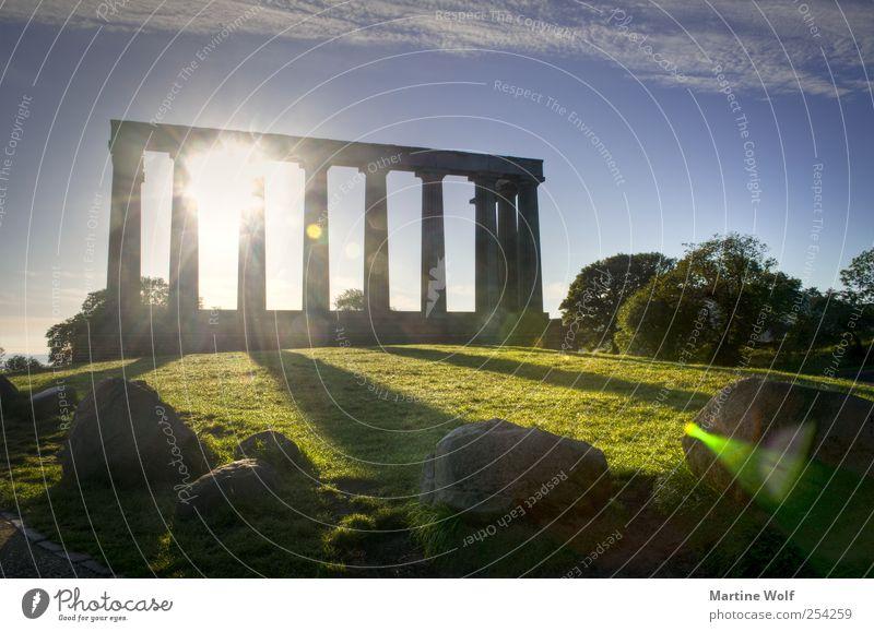 Stonehenge? Tourismus Ausflug Sightseeing Städtereise Natur Hügel Edinburgh Schottland Großbritannien Europa Menschenleer Tor Bauwerk Architektur