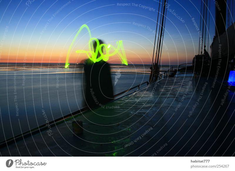 Halbzeit Mensch Mann Wasser Erwachsene Bewegung Stimmung außergewöhnlich Energie Kreuzfahrt