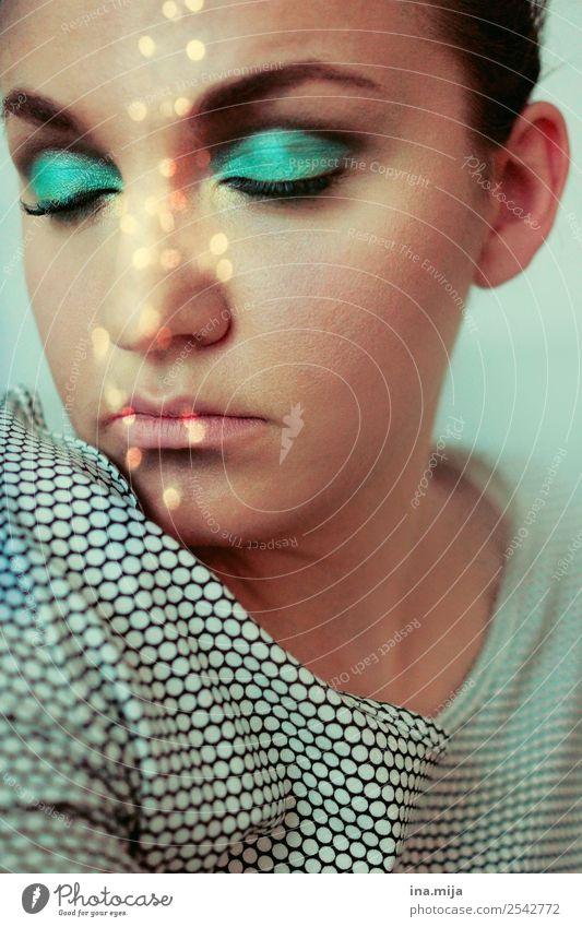 träumen Lifestyle Reichtum elegant Stil schön Körperpflege Kosmetik Schminke Schminken Lidschatten Mensch Junge Frau Jugendliche Erwachsene Gesicht 1
