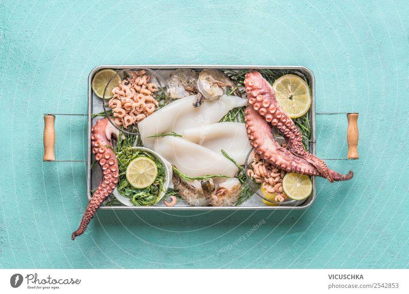 Verschiedene Meeresfrüchte im Tablett Gesunde Ernährung Foodfotografie Lebensmittel Hintergrundbild Stil Design Tisch Vegetarische Ernährung Diät Restaurant