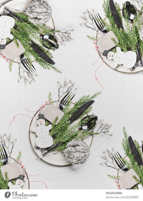 Weihnachtstisch mit Teller,Besteck und Dekoration Ernährung Festessen Geschirr Stil Design Winter Tisch Party Veranstaltung Feste & Feiern Weihnachten & Advent