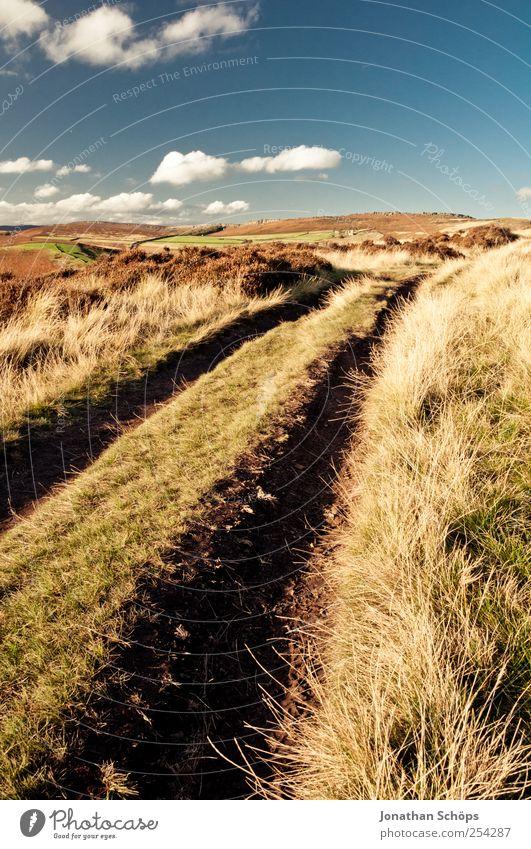 Peak District II Umwelt Natur Landschaft Erde Himmel Sommer Herbst Klima Schönes Wetter Gras Feld Hügel blau braun gelb gold Fußweg Wege & Pfade Horizont