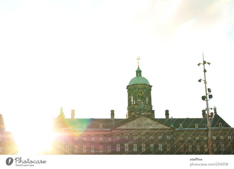 kurz vor dem sonnenuntergang hat es weniger schwer Kitsch Burg oder Schloss Schönes Wetter Niederlande Wolkenloser Himmel Amsterdam Königlich