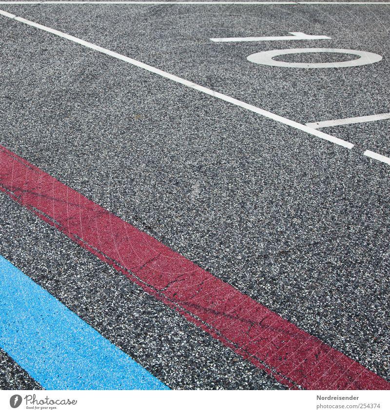 Q 10 Güterverkehr & Logistik Verkehr Straße Zeichen Ziffern & Zahlen Schilder & Markierungen Linie Streifen blau rot Wege & Pfade Asphalt Fahrbahnmarkierung