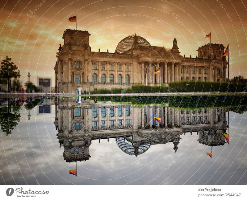 Morgens am Reichstag Ferien & Urlaub & Reisen alt Sommer Berlin Tourismus Freiheit außergewöhnlich Ausflug ästhetisch authentisch bedrohlich Deutsche Flagge