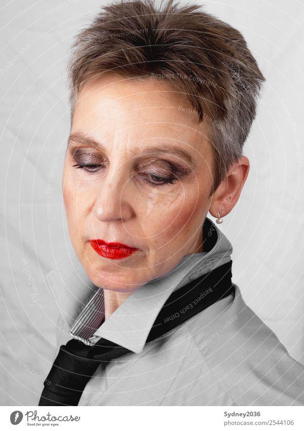 Wishful thinking schön Kosmetik Schminke Lippenstift Wimperntusche Rouge feminin androgyn Frau Erwachsene Kopf Haare & Frisuren Gesicht Auge Ohr Nase Mund 1