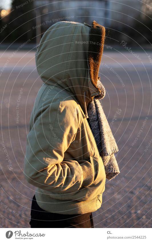 kapuze Mensch feminin Junge Frau Jugendliche Erwachsene Leben 1 Sonnenlicht Winter Eis Frost Platz Mode Bekleidung Jacke Stoff Schal Kapuze beobachten stehen