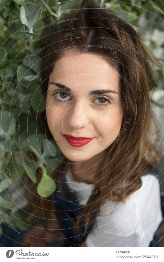 Natur Ferien & Urlaub & Reisen Jugendliche Junge Frau Pflanze schön grün Baum Freude Lifestyle Gesundheit lustig natürlich frisch Lächeln Fröhlichkeit