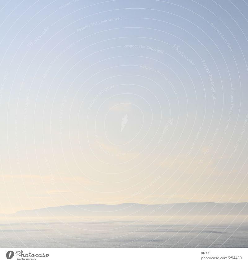 Fast soviel wie nichts Meer Berge u. Gebirge Umwelt Natur Landschaft Urelemente Wasser Himmel Wolkenloser Himmel Horizont Klima Wetter Nebel Küste hell schön