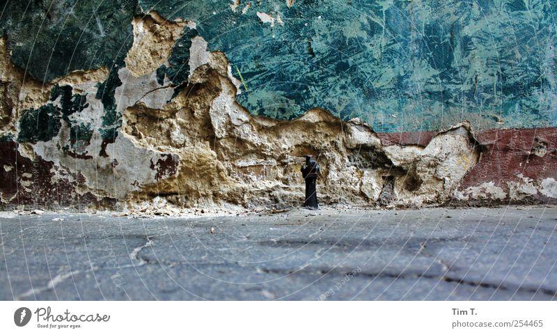 Zeiten Technik & Technologie Berlin Deutschland Stadtzentrum Altstadt Menschenleer Haus Mauer Wand Tür Stein Metall Vergänglichkeit Farbfoto Außenaufnahme