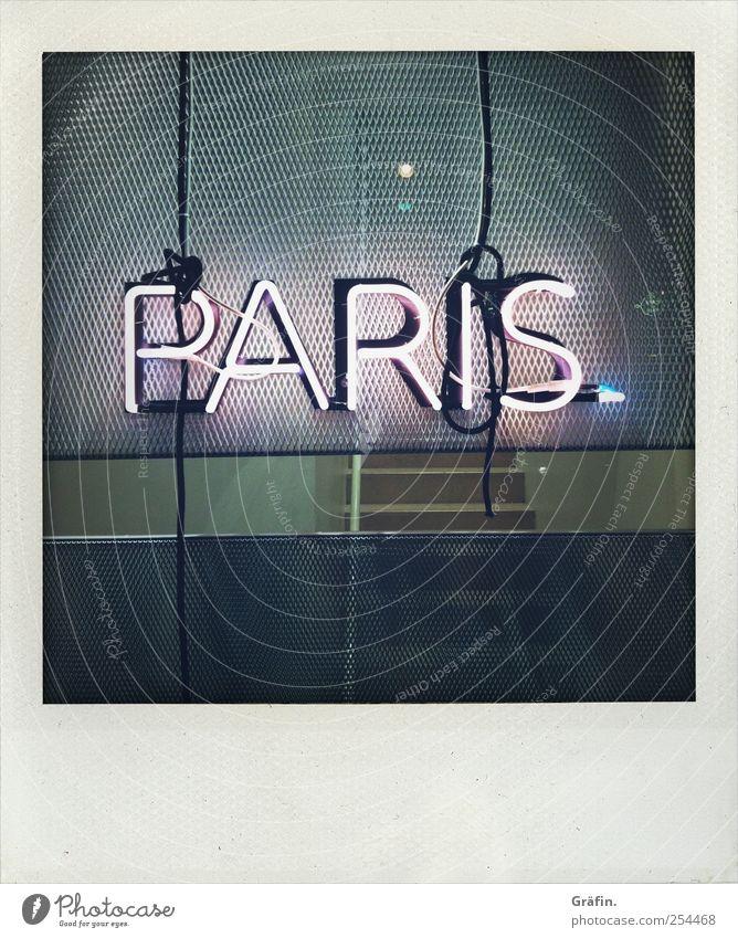 Paris Lampe Schriftzeichen Schilder & Markierungen Hinweisschild Warnschild leuchten Kitsch grau Stadt Wort Beleuchtung Neonlicht Buchstaben Farbfoto