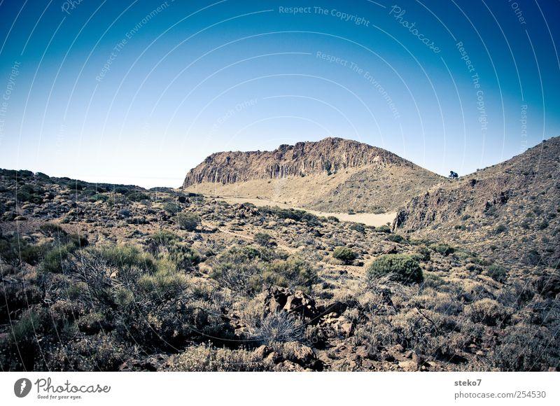 Festung blau Landschaft Berge u. Gebirge braun Felsen Hügel Gipfel Schönes Wetter steil Wolkenloser Himmel Teneriffa abweisend
