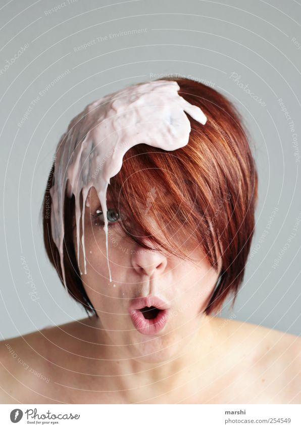 shit happens Mensch Frau Jugendliche Erwachsene feminin Junge Frau Haare & Frisuren Kopf lustig Stil Ernährung verrückt Gesichtsausdruck Überraschung Ekel