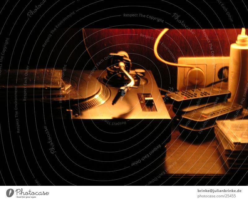 cd ablage schwarz rund Entertainment Steckdose Hülle Compact Disc Stecker Schall Krimskrams Meerschweinchen Krefeld