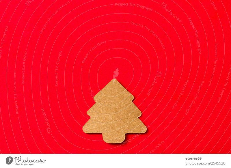 Christbaumschild auf rotem Hintergrund Etikett Weihnachtsbaum Feste & Feiern Geschenk Gegenwart braun Symbole & Metaphern Ferien & Urlaub & Reisen Feiertag